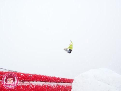 20101212-bag-jump.jpg