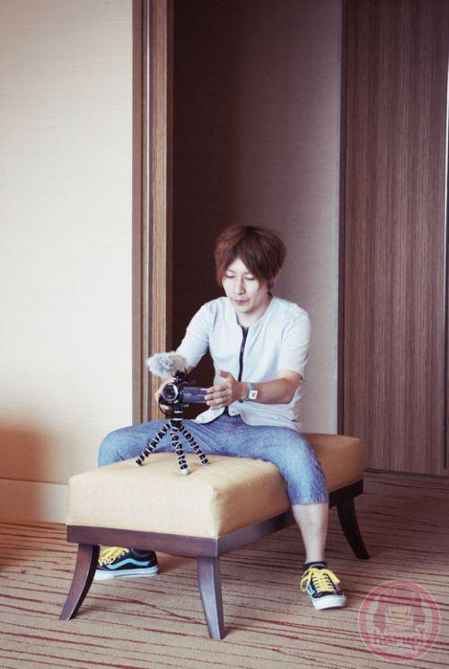Yasu setting up video camera