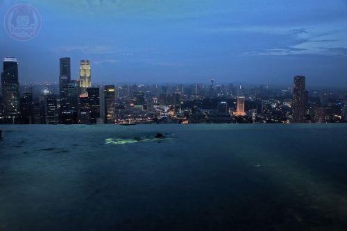 Marina Bay Sands hotel - night swim