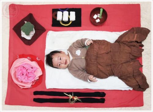 Sleeping-art Okuizome (寝相アート - お食い初め)