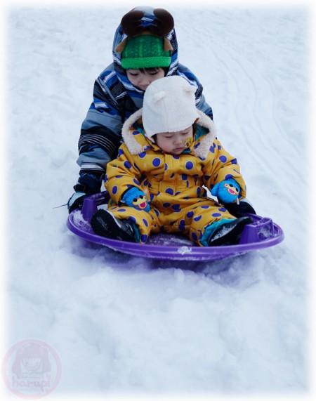 Slide on the snow with Kazuki-kun