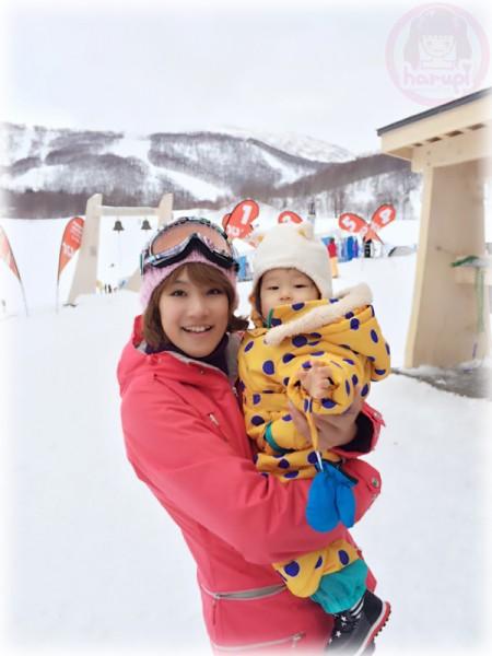 Mommy and Little-big-boss at Hanazono Niseko ski resort