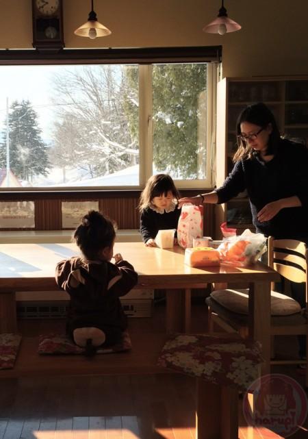 Little-big-boss and Yuki-chan breakfast