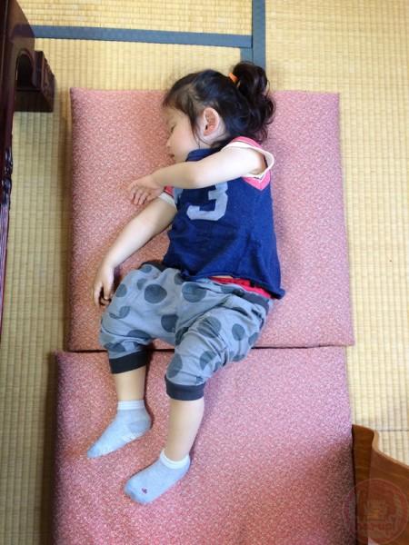 Noon-nap in Nushiyu Inn ぬ志勇旅館でお昼寝